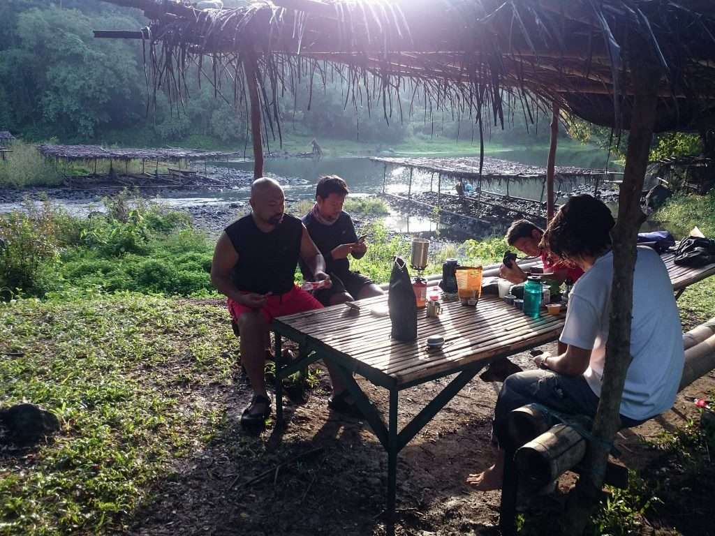 Nothing beats a lunch by the river—literally Tabing Ilog