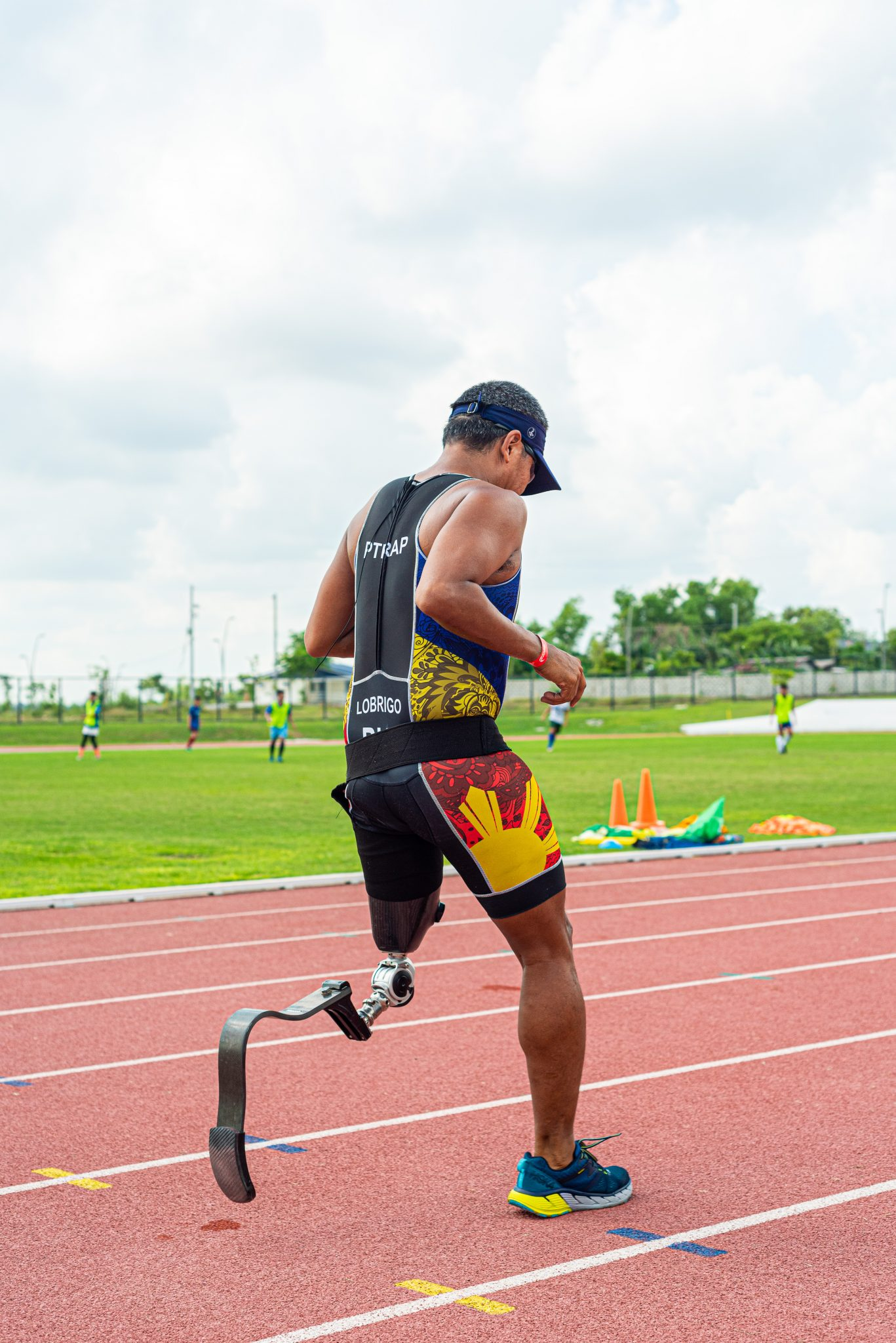 One of paratriathlete Manny Lobrigo's most recent races is the 2019 Alveo Ironman in Davao. His relay team was able to finish the course