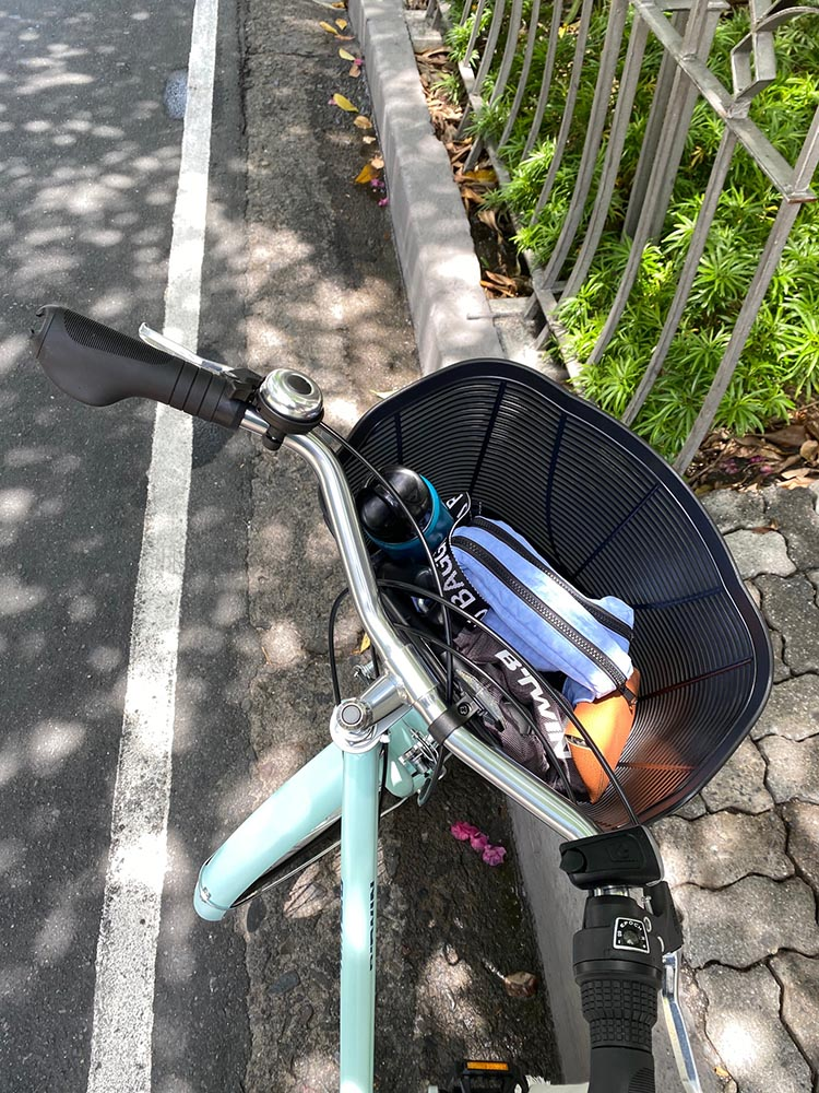 A basket was essential to my selection: something to store purchases and groceries. This bike model can stow one in the back