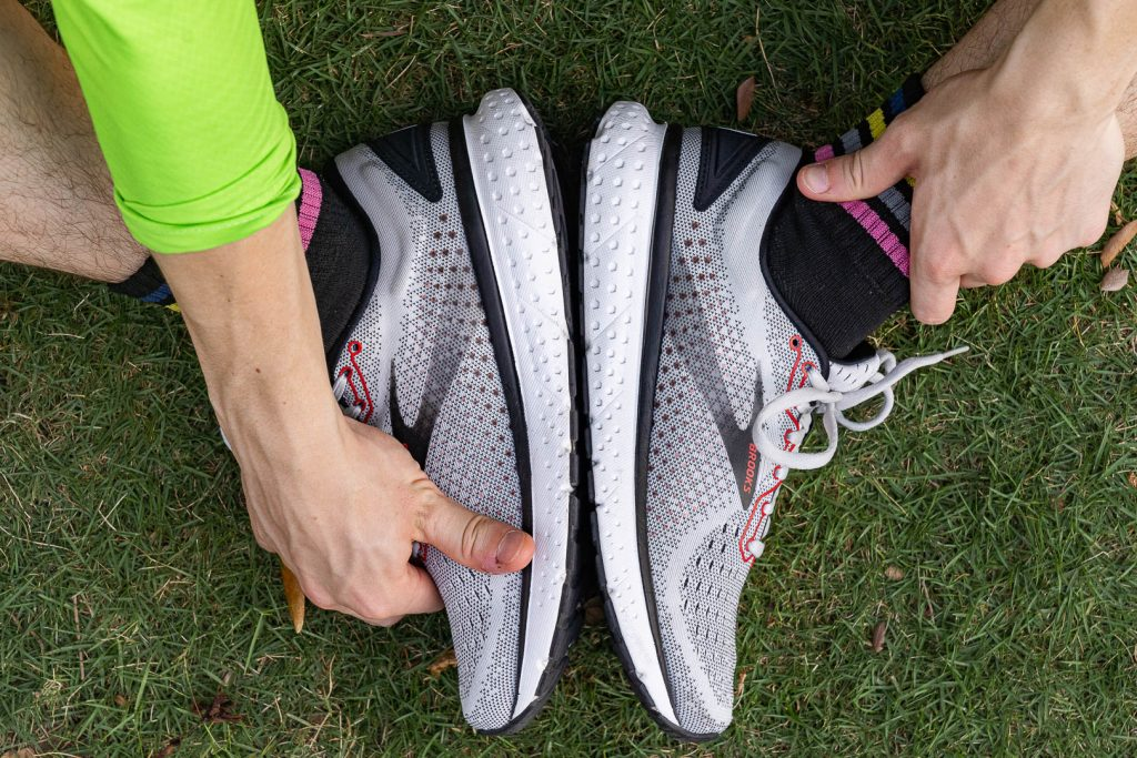 Brooks seems to favor arching their shoes upward and this pair is no exception