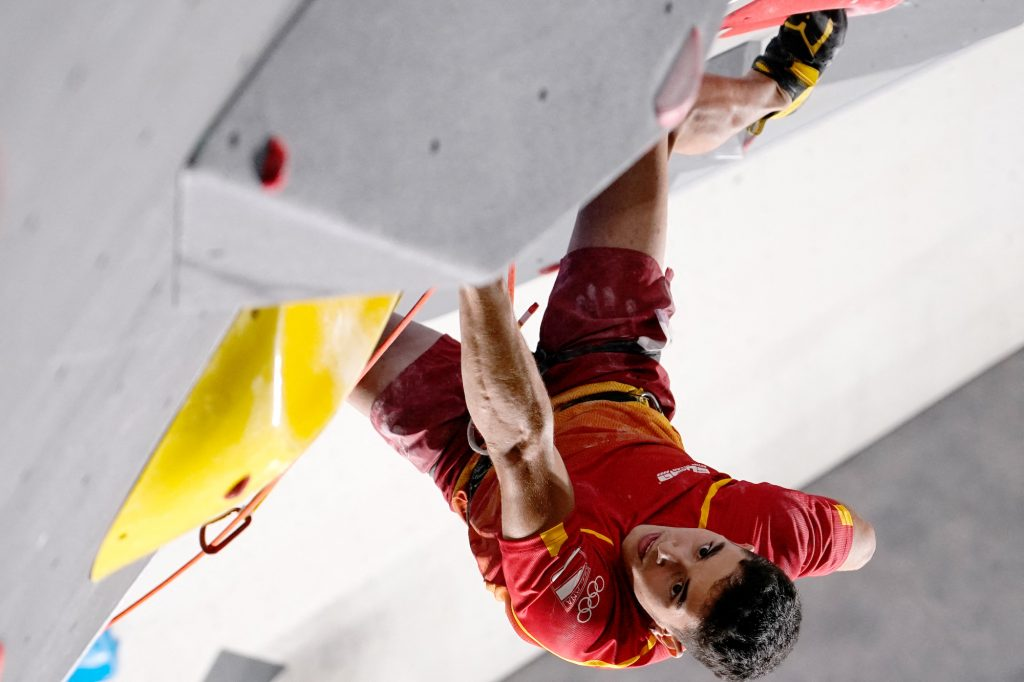 It was an impressive performance from Ginés López, who is usually a bouldering and lead specialist and had only qualified in sixth position